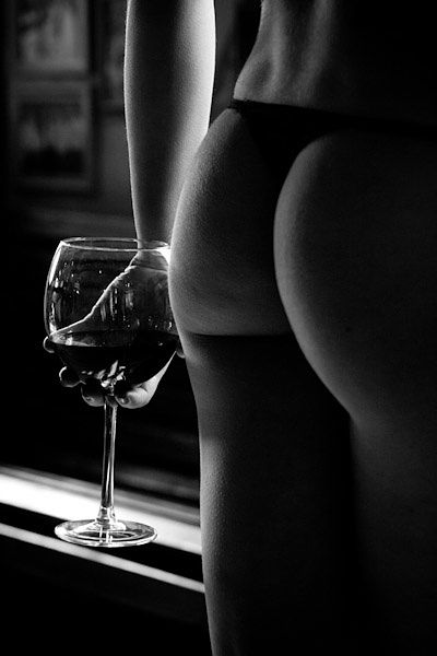 contact Berlin Escort, escort with wine.